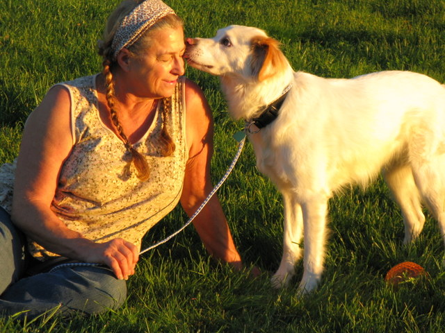 Milo kissing Rhonda
